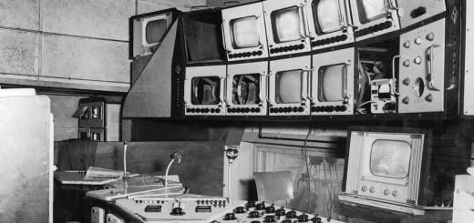 Régie technique du journal télévisé dans les années 1950 Date : 01/05/1960  Crédits : Bataillon, Philippe / INA